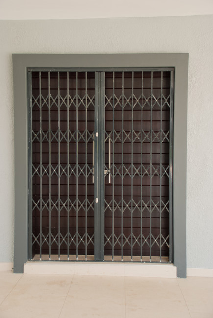 Triangle Folding Doors : Slam lock security gates in the vaal triangle
