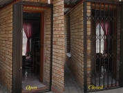 incredibledoor-resize4